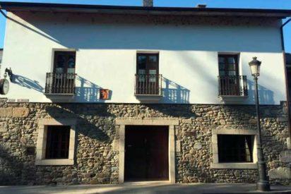 """La """"Casa del Reloj"""", una bella casa rural del Camino de Santiago"""