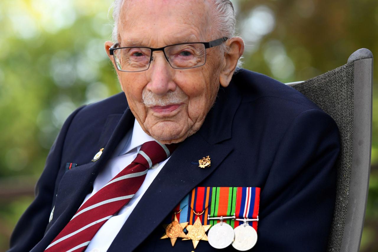 Fallece a los 100 años el 'Capitán Tom', el héroe de la Segunda Guerra Mundial y del confinamiento en Inglaterra