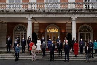 COPE hunde a Sánchez con impactantes datos de la presunta corrupción de 4 de sus ministros