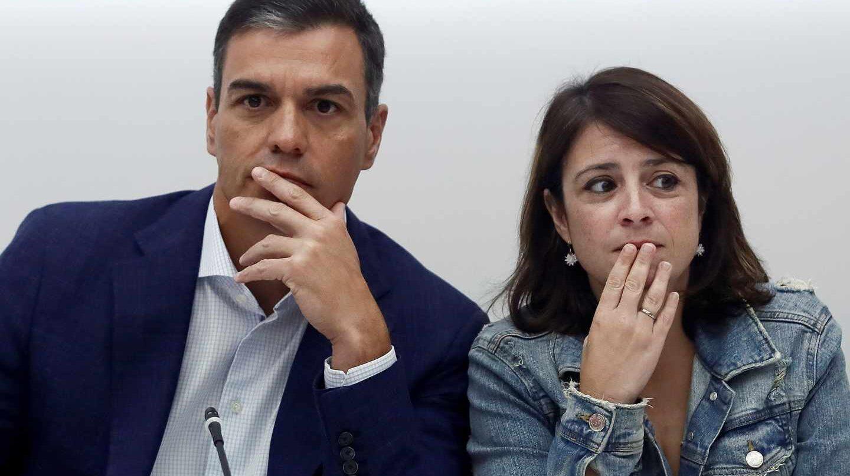 Un supuesto libro de Adriana Lastra revienta las redes y enfurece a PSOE y Pedro Sánchez