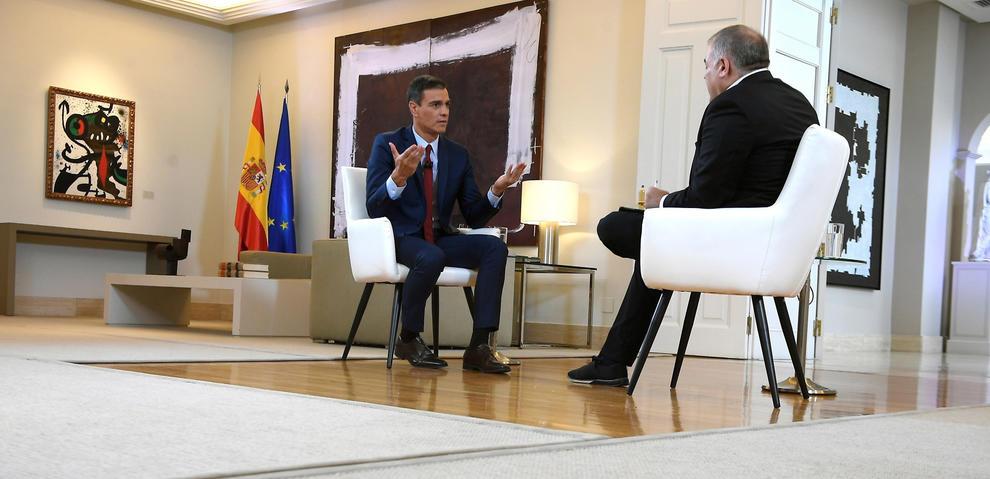 Pillada histórica: un tuit indiscreto airea los 'chanchullos' de Ferreras y laSexta con Pedro Sánchez