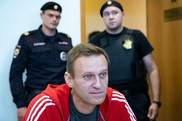 Alexei Navalny renuncia a la huelga de hambre en la cárcel de Vladimir Putin