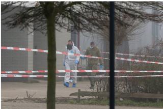 Estalla una bomba en el centro de pruebas del COVID en Holanda
