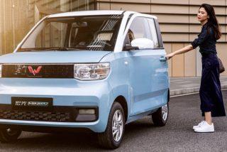 El Hongguang Mini EV, que cuesta 5.000 euros, se convierte en el coche eléctrico más popular del mundo