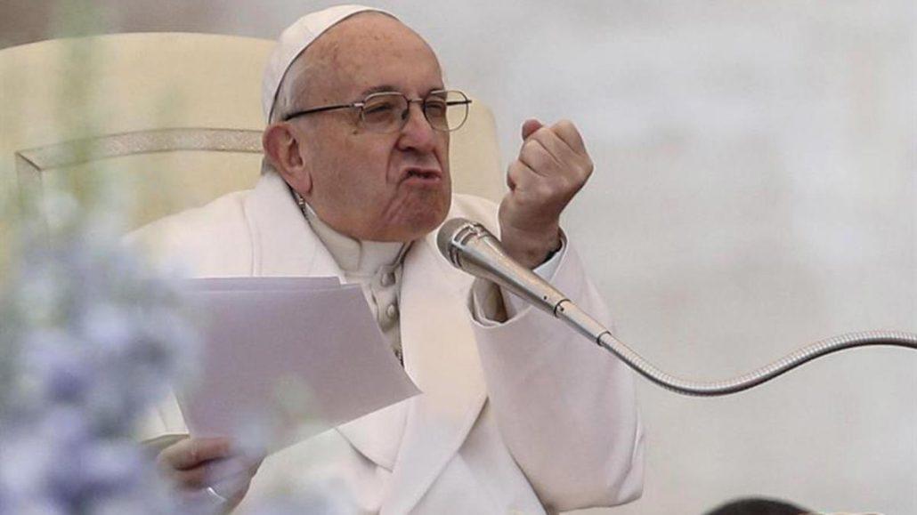 """Zasca al Papa Francisco por despreciar la propiedad privada: """"Los muros del Vaticano son para protegerlo del viento..."""""""