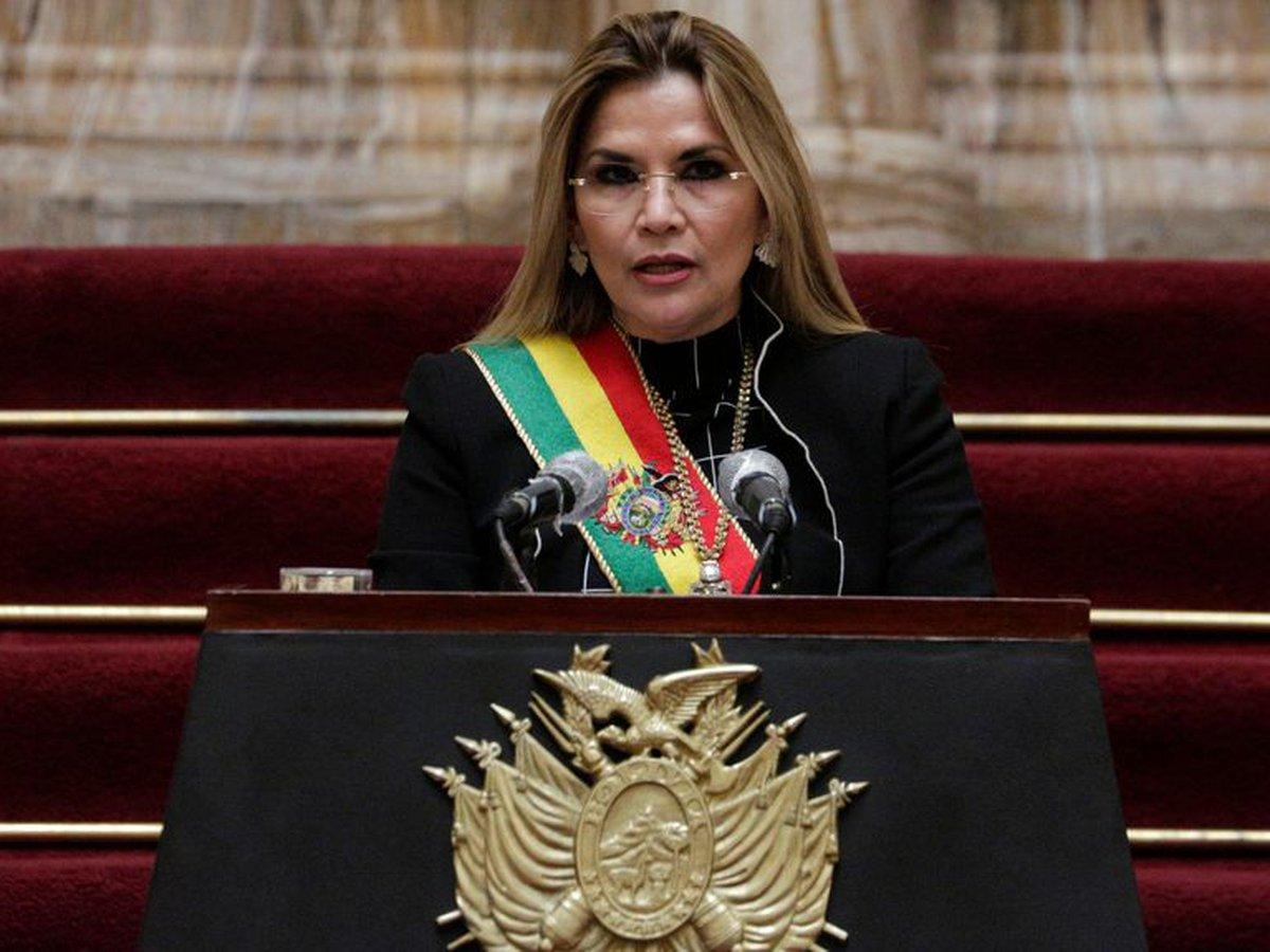 La Policía de Bolivia captura y se lleva presa a la expresidenta de facto Jeanine Áñez