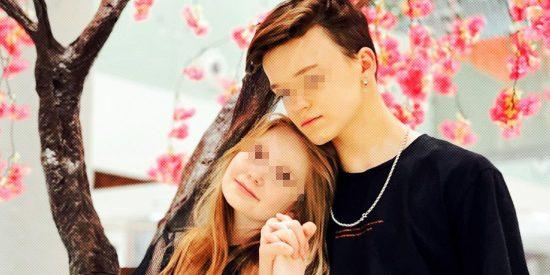 """""""Somos pareja"""": las fotos provocativas de una niña bloguera de 8 años y su novio adolescente"""