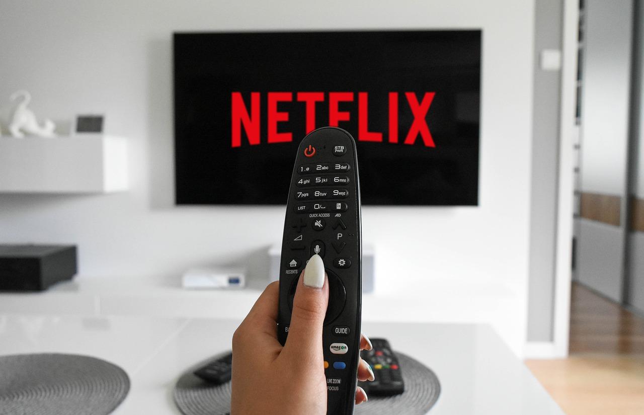 Tres de cada cuatro españoles paga por ver series y películas 'online',