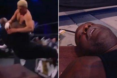El espectacular KO a Shaquille O'Neal en su debut en la lucha libre