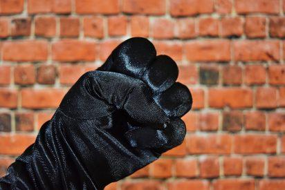 La brutal agresión a dos policías tras pedir a dos jóvenes que usaran la mascarilla