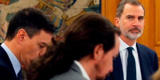"""Felipe VI recibe una información muy espinosa sobre Pedro Sánchez """"que no le dejará dormir"""""""