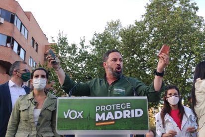 La extrema izquierda aprovecha la pasividad de Marlaska para provocar una lluvia de piedras en el acto de VOX en Vallecas