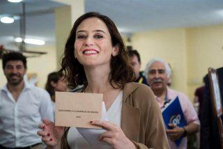 Isabel Díaz Ayuso (PP) arrasa en los sondeos y acaricia la mayoría absoluta a un mes del 4-M