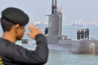 Localizan en el fondo del mar, partido en tres, el submarino de la Armada indonesia con 53 cadáveres a bordo