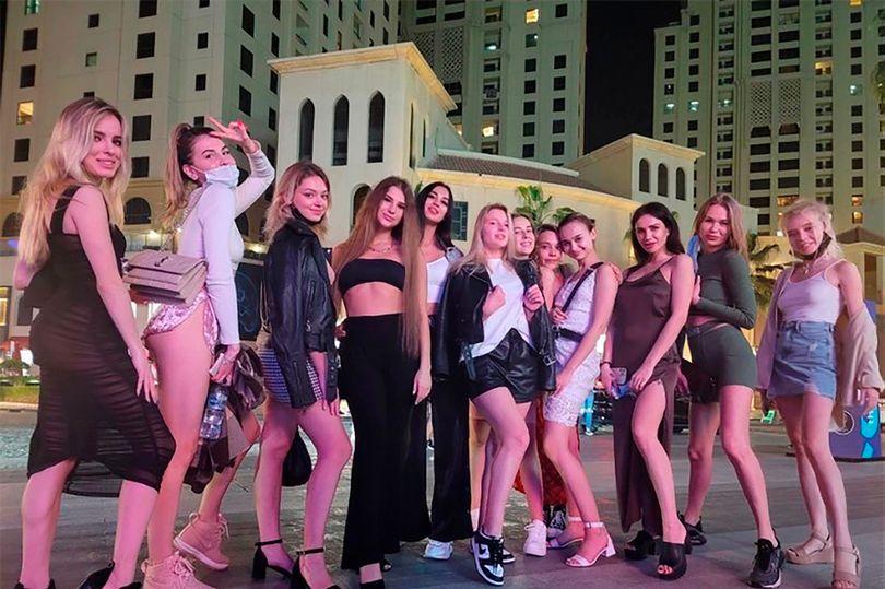 Dubai: las 40 modelos arrestadas, por posar desnudas en un balcón, pasarán 6 meses en prisión