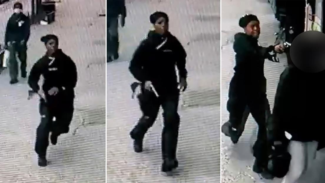 El momento en que esta mujer asesina a su exnovia en una calle de Nueva York