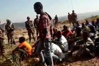 Etiopía: La masacre de 'sólo dos balas' y en la espalda que espanta al mundo