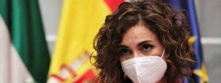 Tú encerrado en casa en Semana Santa mientras la socialista María Jesús Montero disfruta en Sevilla