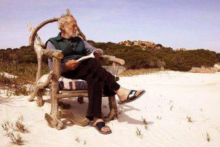 """El 'naúfrago' que vivió solo en una isla italiana durante 32 años se rinde: """"He abandonado la lucha"""""""
