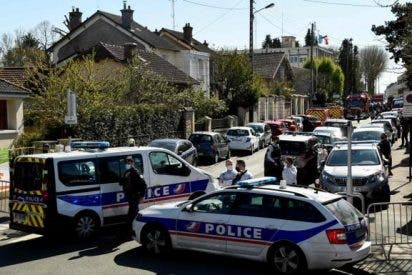 Un islamista tunecino asesina a puñaladas a una agente de Policía en Francia