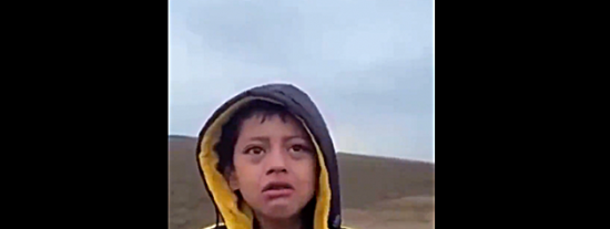 Wilton, el niño que deambulaba solo en la frontera EEUU-Mexico y que salvó un policia, estaba secuestrado