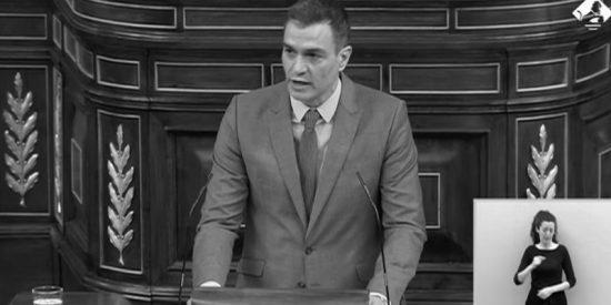 Bienvenidos a 1931: Sánchez reivindica la II República y la bancada de la izquierda estalla en aplausos