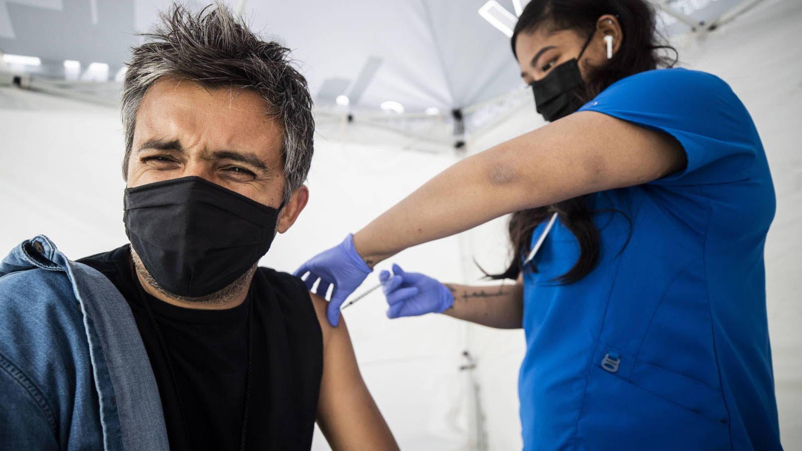 """Jose Luis Úriz Iglesias: """"Reflexiones tras la vacuna"""""""