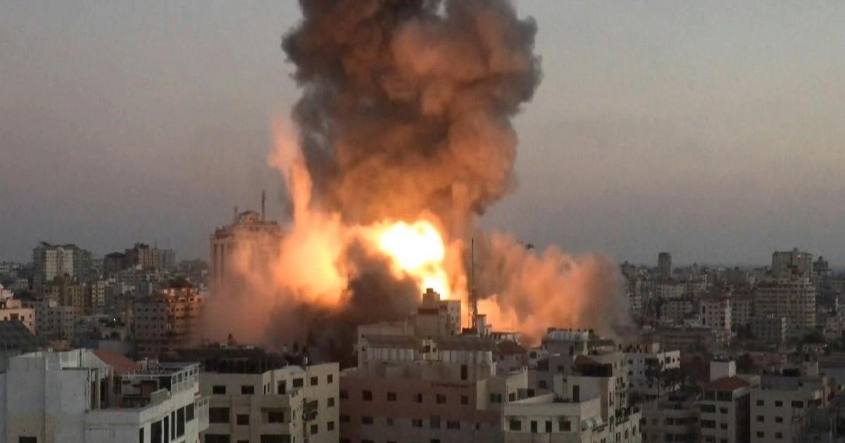 Los terroristas de Hamas reanudan sus ataques a Israel y reciben una 'lluvia' de misiles