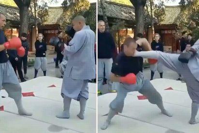 El momento exacto en que el monje shaolín derriba de una patada en la cara al luchador de MMA