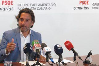 El presidente socialista del Parlamento de Canarias saca su vena dictadora con los periodistas
