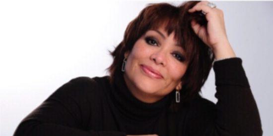 La periodista mexicana a la que tacharon de loca por hacer una serie en homenaje al Camino de Santiago