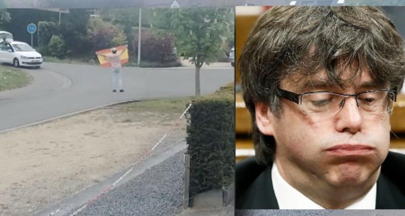 Unos chavales españoles 'roban' a Puigdemont la placa que identifica su chalet con 'Casa de la República' catalana