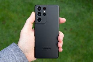 Samsung se burla de Apple en el spot del nuevo Galaxy S21 Ultra y la gracia se le vuelve en contra