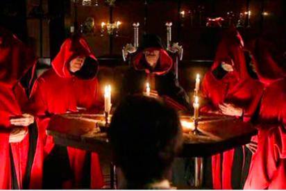 """Laureano Benitez Grande-Caballero: """"A la izquierda el del moño rojo; a la derecha, el demonio rojo"""""""