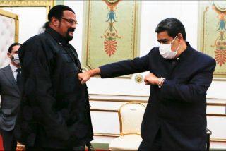 Rusia envía a Steven Seagal a Caracas para blanquear a la dictadura de Maduro