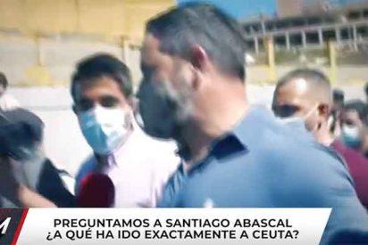 """Tensión en Ceuta: Santiago Abascal se enfrenta a un enviado de Risto Mejide ('TEM'): """"¡Váyase al cuerno!"""""""
