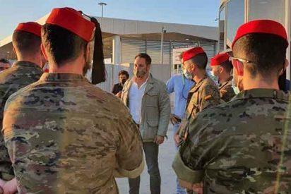 """Santiago Abascal, recibido con aplausos en Ceuta: """"¡Viva VOX! ¡Esta es tu ciudad!"""""""