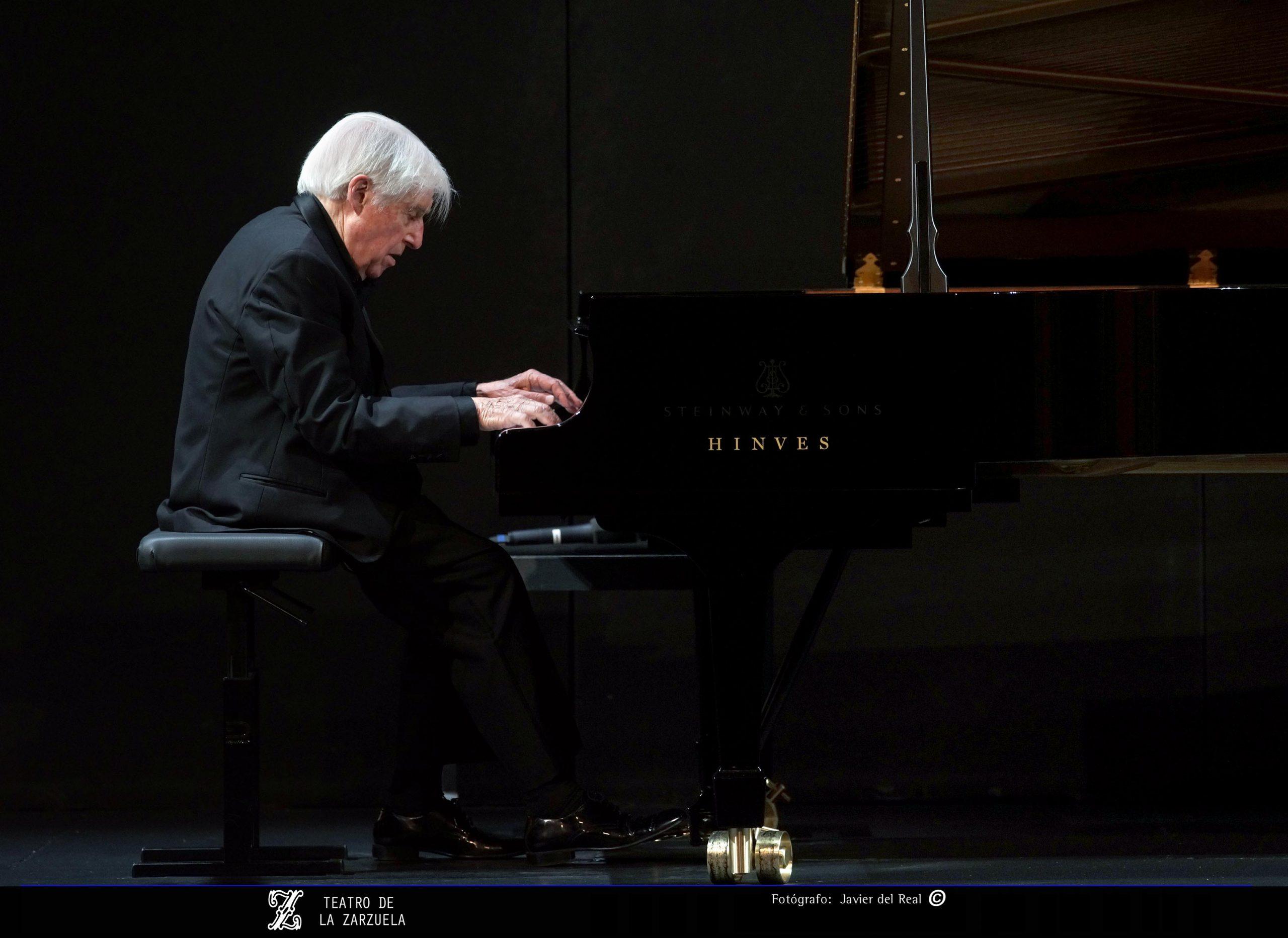 Achúcarro al piano, 75 años en los escenarios
