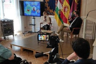 """Encuentros de Periodista Digital: Presentamos el libro """"Aprende a escucharte"""", de Ana Villarrubia"""