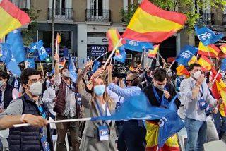 Así fue la fiesta de los jóvenes del PP tras el triunfo de Isabel Díaz Ayuso