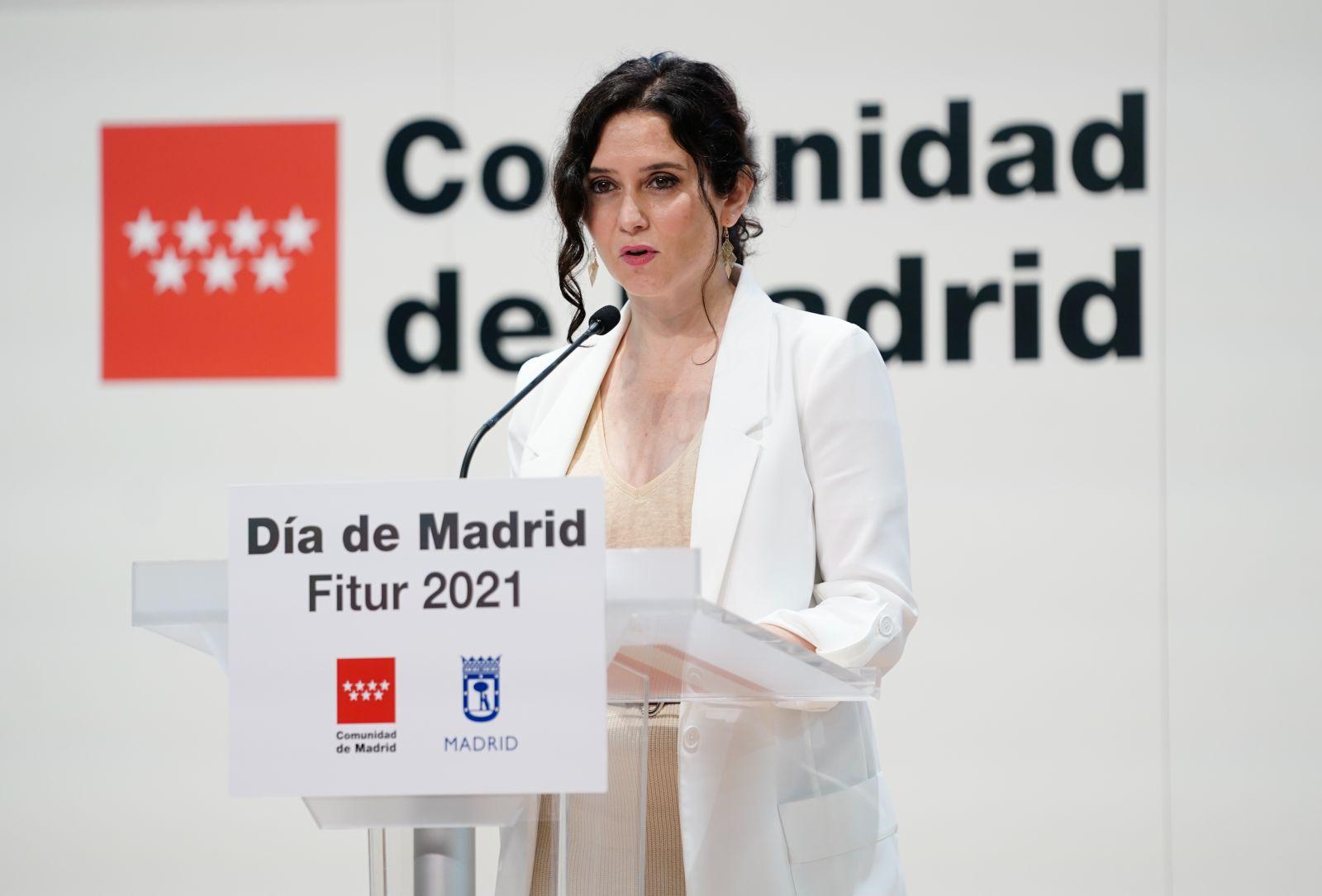 """Isabel Díaz Ayuso se chotea del plan 'España 2050' de Sánchez: """"A este paso van a prohibir los chuletones"""""""