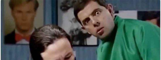 El vídeo-montaje que triunfa en la Red: Mister Bean le corta la coleta a Pablo Iglesias