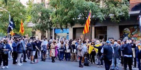 """El vídeo que demuestra la 'guerra civil independentista': """"¡Junqueras, traidor, púdrete en prisión!"""""""
