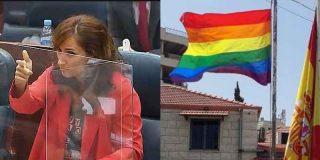 """'La Pistolera' García """"exige"""" a Ayuso que cuelgue la bandera arcoris sin saber que el Supremo lo tiene prohibido"""