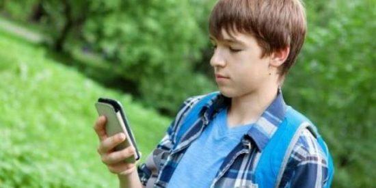 Un pervertido finge ser menor de edad para obtener imágenes íntimas de un niño de 13 años en Murcia