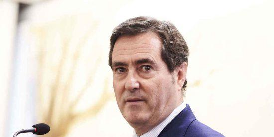 ¿A cambio de qué Garamendi mete a la CEOE en la ciénaga de los indultos?