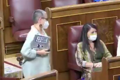 """María Dantas (ERC) enloquece en el Congreso: ataca a Meritxell Batet y grita """"¡fascista!"""" al oído de Macarena Olona"""