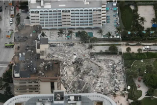 "Momento exacto del derrumbe de la ""Champlain Towers de Miami"""
