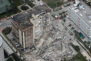 Tres muertos y 99 desaparecidos tras el derrumbe de un edificio de 12 plantas en Miami