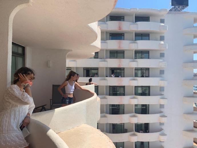 La juez condena al Gobierno izquierdista de Baleares: Es ilegal el confinamiento forzoso de los estudiantes